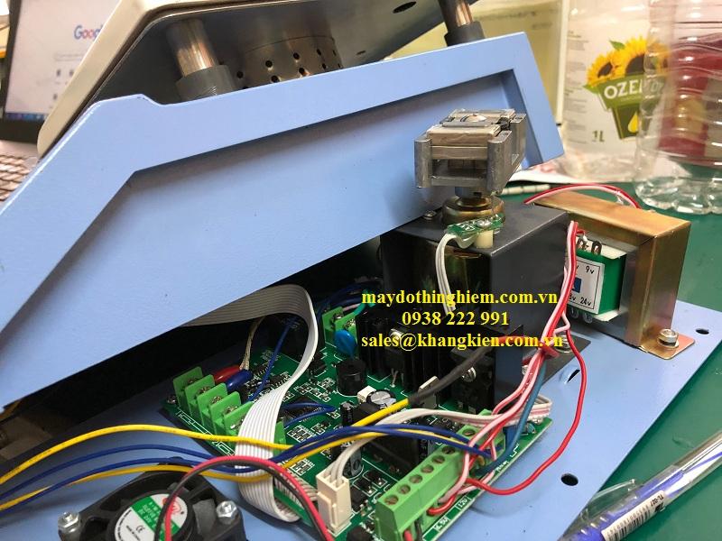 tông quan bên trong một cái máy khuấy từ