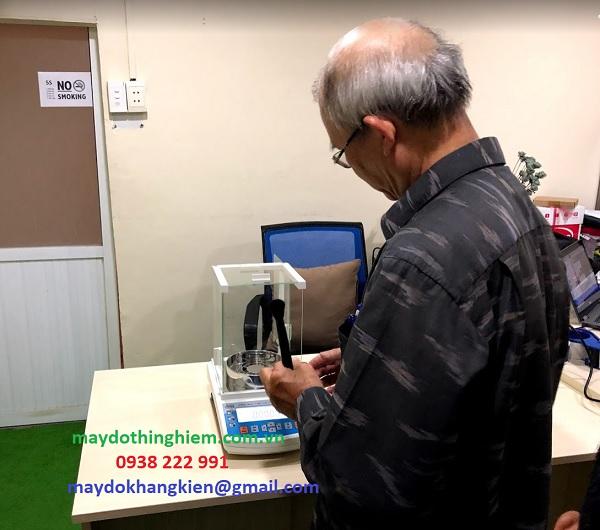Kỹ sư hiệu chỉnh cân tại Khang Kiên