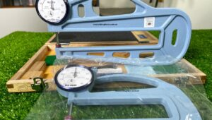 So sánh đồng hồ đo độ dày Teclock